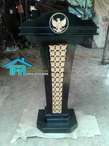 mimbar podium lambang garuda