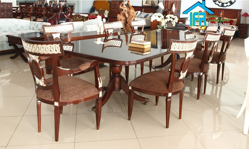 set ruang makan minimalis klasik