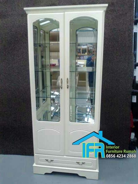 lemari display kaca modern