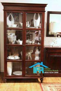 lemari pajangan kayu minimalis