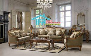 Italian Classic Sofa Set