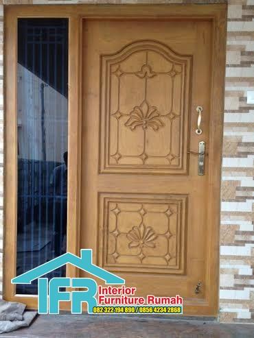 pintu rumah jawa