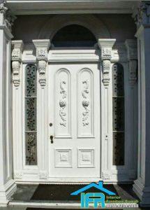 pintu rumah utama