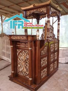 Mimbar Masjid Ukir Mewah