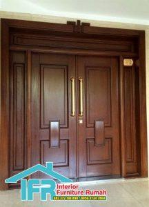 Pintu Rumah Depan