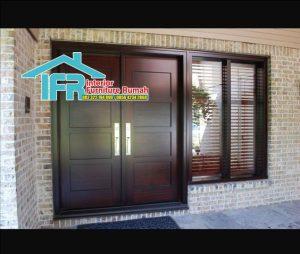 Pintu Rumah Depan Dua Pintu